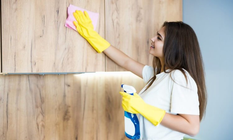 How To Clean Kitchen Cabinets Grease - Easy DIY