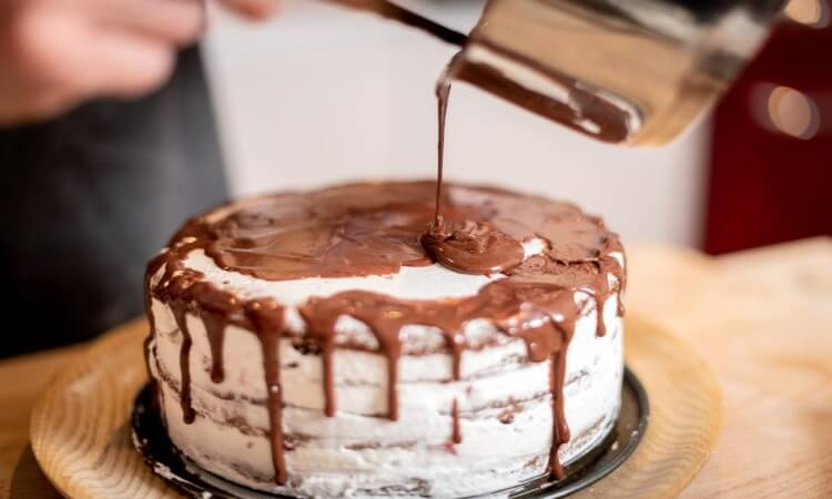 How To Cool A Cake Without A Wire Rack: Easy Options