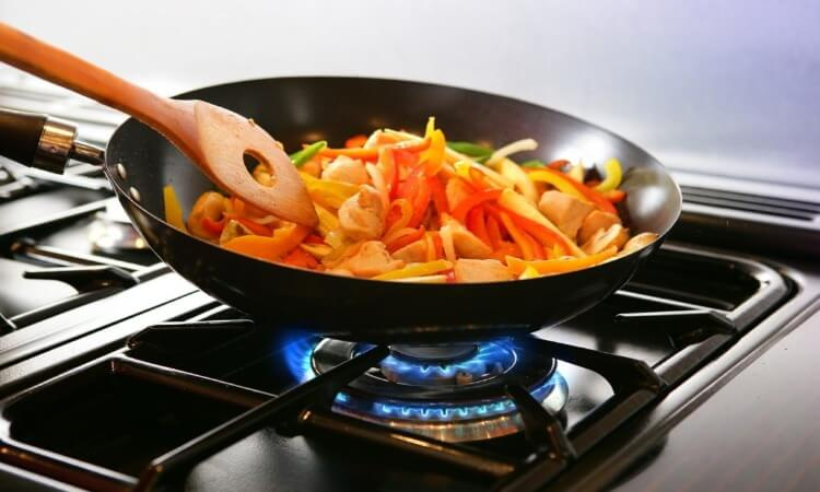 How To Cook With A Wok Pan