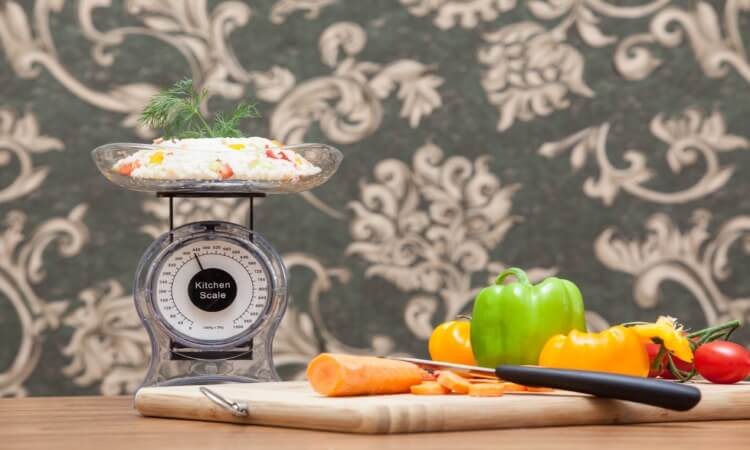 How To Read A Food Scale - Tips For Precise Measurements