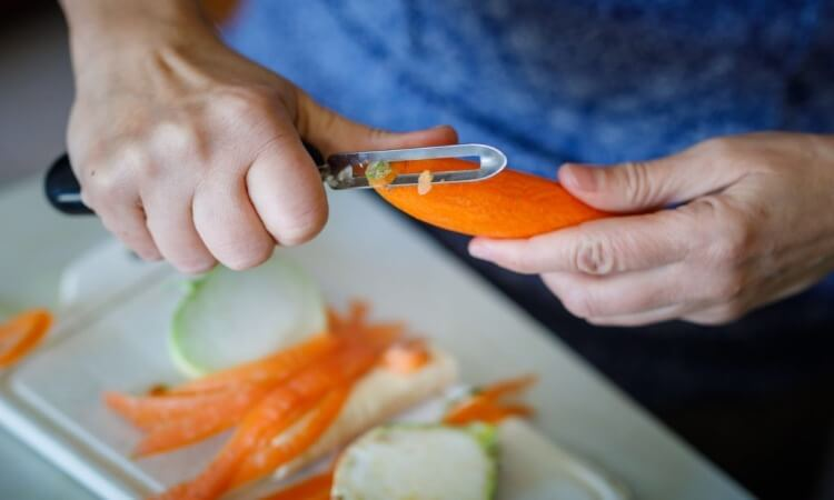 How To Use A Vegetable Peeler