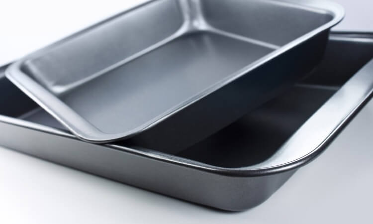 The 7 Best Baking Pan Sets Every Baker Should Have