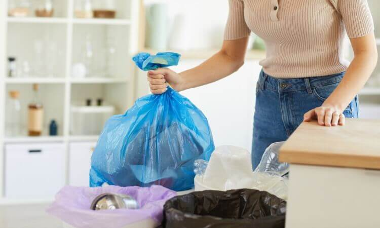 The 7 Best Kitchen Trash Bags For Tidy Kitchen