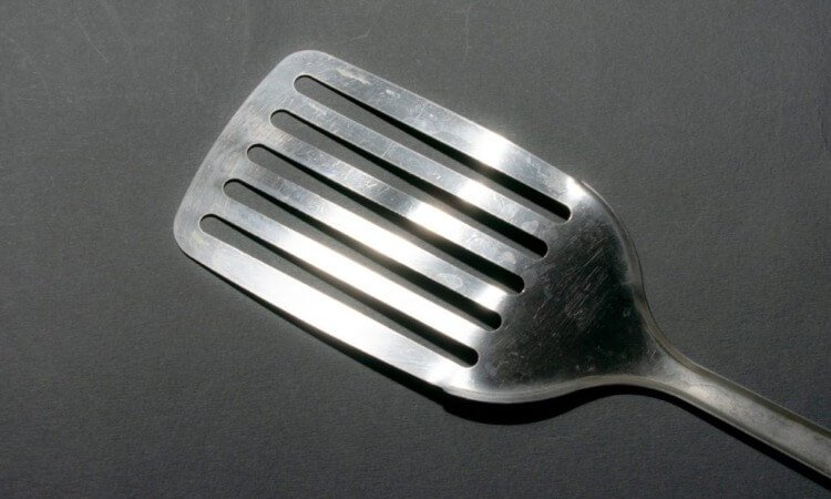 The 7 Best Metal Spatulas For Commercial And Home Use