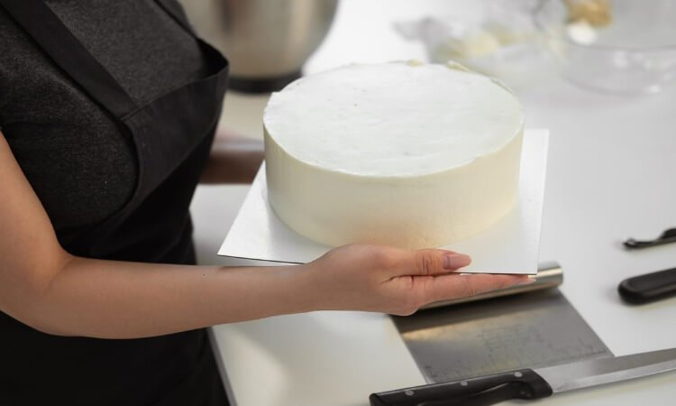 The 7 Best Pastry Scrapers For Quicker Kitchen Work