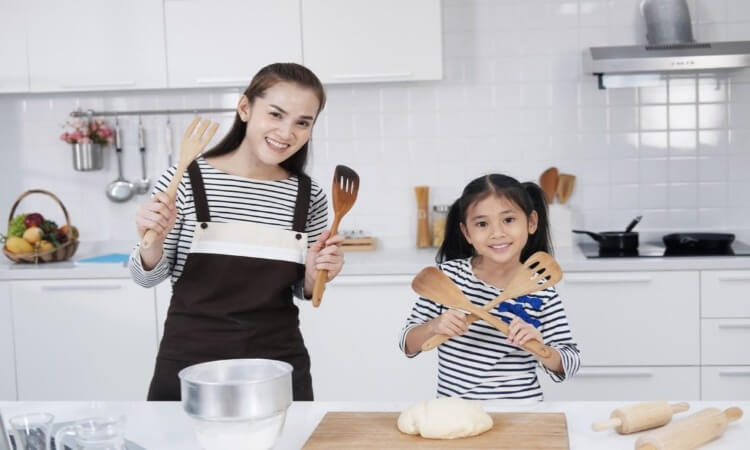 The 7 Best Small Spatulas For Home Bakers