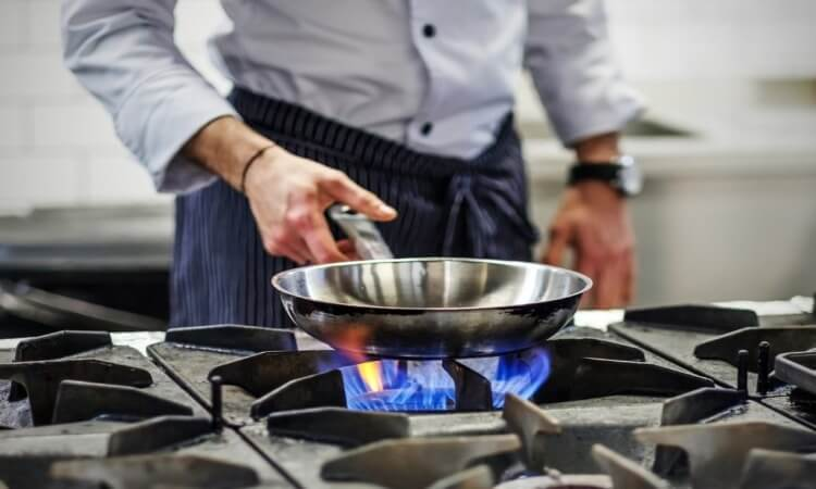The 7 Best Steel Frying Pans: What Are Its Best Features?