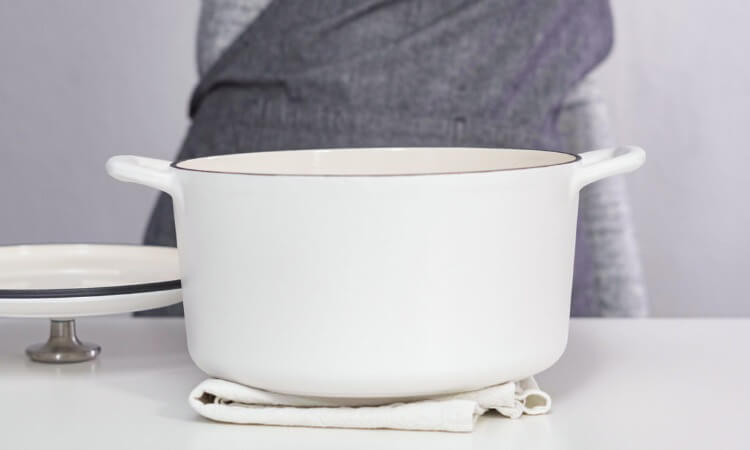 What Is A Dutch Oven Used For An All Around Cooking Ware